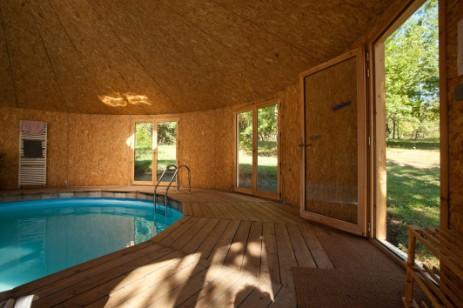 les usages yourte en bois. Black Bedroom Furniture Sets. Home Design Ideas